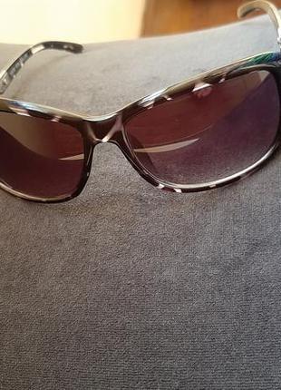 Очки солнцезащитние, очки от солнца, окуляри сонцезахисні