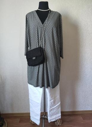 Туника,  блуза в черно белый принт