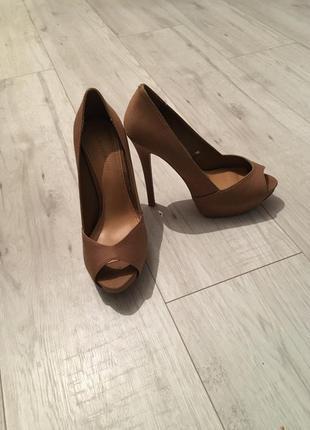 Туфли от stradivarius