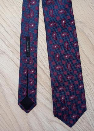 Стильный галстук от  hugo boss