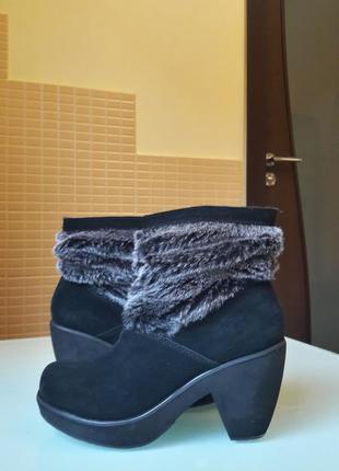 Модные замшевые ботинки skechers
