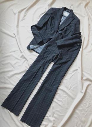 Шикарный костюм в полоску штаны палаццо.