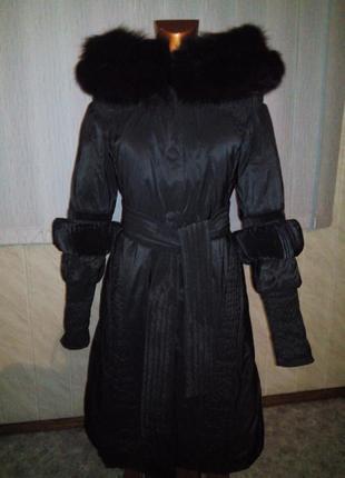 Шикарное зимнее пальто vladi mix , натуральный мех
