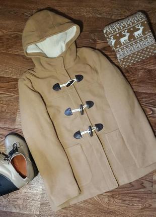 Мягкое теплое пальто с капюшоном atmosphere