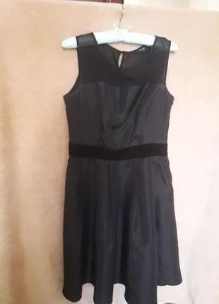 Чорное платье
