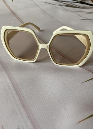 Летняя распродажа солнцезащитные стильные очки тренд