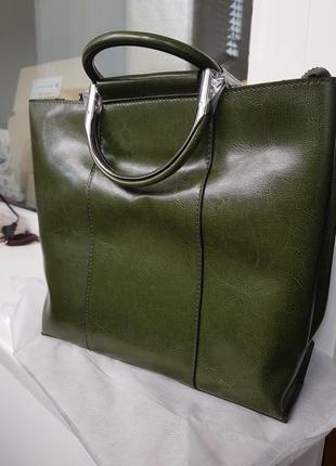 Женская кожаная городская сумка на плечо сумочка с короткими ручками зелёная універсальна жіноча сумка натуральна шкіра