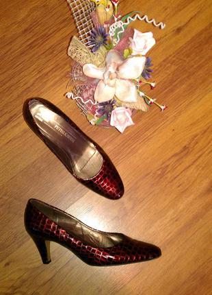Лаковые кожаные туфли, лодочки peter kaiser 40р