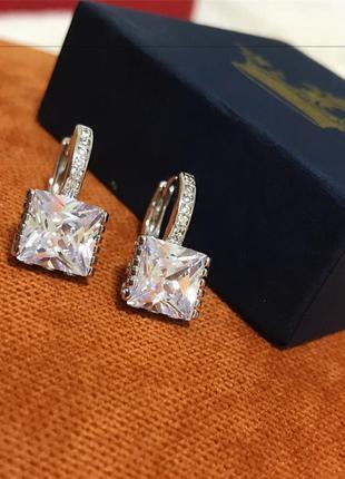 Серьги с цирконием бриллиантовой огранки
