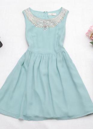 Очень красивое бирюзовое шифоновое платье с красивым декором вокруг шеи rise 10uk