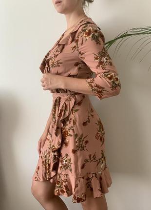 Платье на запах  с рюшами в цветочный принт ichi сукня на запах