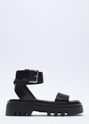 Кожаные сандалии zara 39р