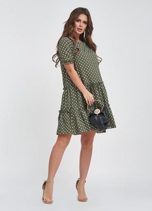 Платье-трапеция в горошек свободное с рюшами воланами до колен