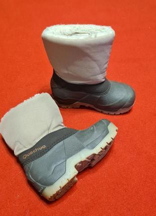 Детские непромокаемые зимние сапожки от quechua 26-27
