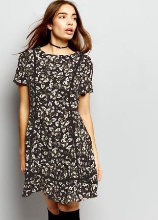 Чёрное платье в цветочный принт new look