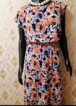 Фирменное платье в цветочный принт батал