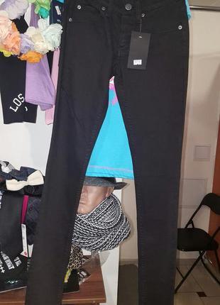 Крутые черные джинсы скинни cheap monday - на ххс, хс