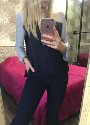 Красивая , нежная блузка с разрезами по бокам