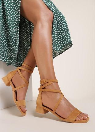 Много цветов! замшевые босоножки сандалии на удобном каблуке франция 🇫🇷