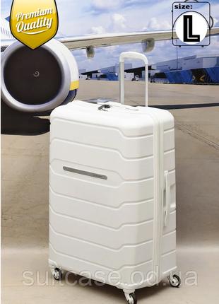 Дорожный чемодан из полипропилена ударопрочный с тса замком