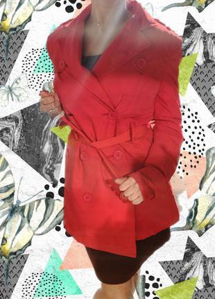Очень стильный красный плащ на осень,весну. скидка black friday  -50%  black friday