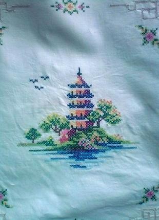 Китайская пагода. пара наволочек для подушки. вышивка крестиком.