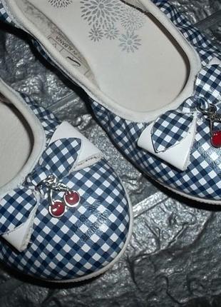 Полностью кожаные туфли балетки для девочки primigi рр. 34 = 21,5 см