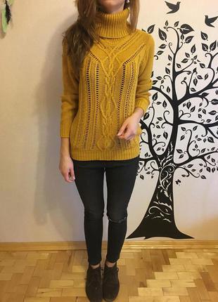 Милый свитер горчичного цвета от oodji