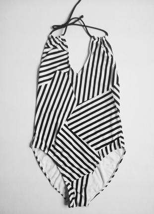 Черно-белый купальник полоска орнамент