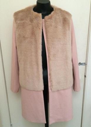 Пальто цвета пудра