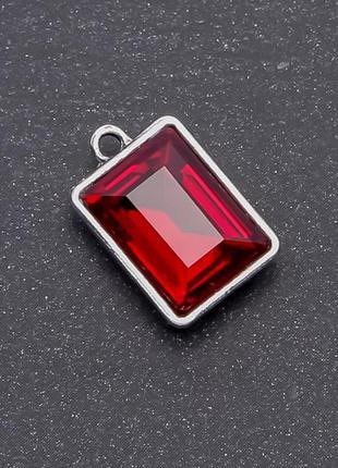 Кулон с красным кристаллом