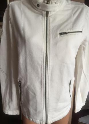 Плотная трикотажная куртка