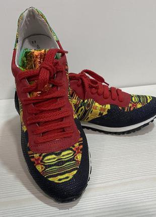 Оригинальные кроссовки tamaris