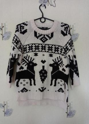 Брендовый свитер с оленями