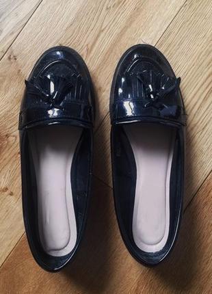 Лоферы, балетки, туфли лакированные