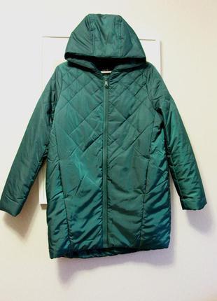 Фирменная, зимняя куртка фирмы oodjii.