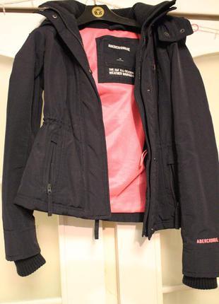 Куртка от abercrombie and fitch в идеальном состоянии и с отличным качеством