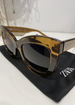 Zara очки