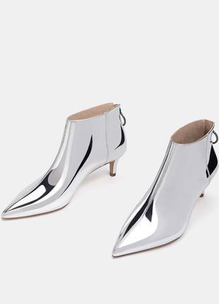 Новые ботинки киттен хилл bershka (36,37,38,39,40) ботильоны серебро
