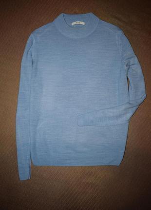 Базовый голубой свитер