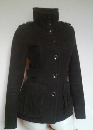 Демисезонное пальто с накладными карманами на подкладке h&m
