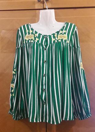 Брендовая красивая  вискозная блуза  с вышивкой  р.14 от papaya