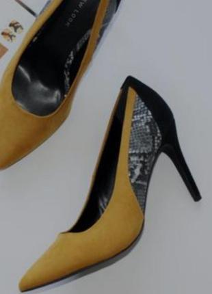 Туфли со змеиным принтом new look