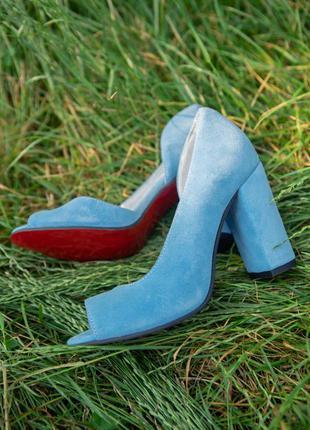 Босоножки на каблуке из натуральной итальянской замши!
