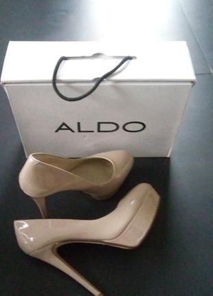 Лаковые туфли на каблуке aldo