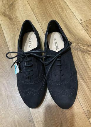 Новые фирменные туфли на шнурочках, оксфорды fiore