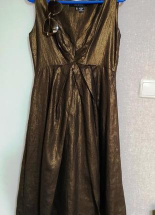 Zara стильное льняное платье миди шоколадного цвета с золотистым металлическим блеском/ тренд осени