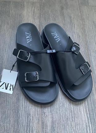 Чоловічі сандалі zara