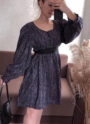 Шикарное платье из натуральной ткани