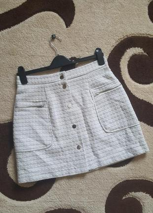 Крутая юбка из твида  трапеция с пуговицами